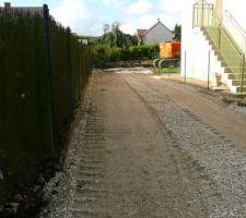 Le terrassement de l'accès réalisé commencé vers le 06/10/2014.