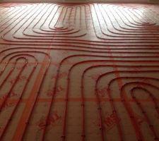 isolant tms et tuyaux de chauffage au sol