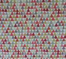 pose d une tapisserie sur un pan de mur de la mezzanine tapisserie boheme