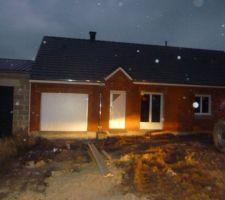 la maison est hors d air manque la baie vitree a l arriere