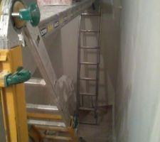 installation pour peindre la cage d escalier