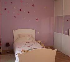 Chambre Fille rose parme 6 ans, Stickers 3d papillons.