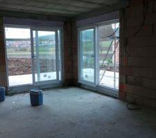 les 2 baies vitrees de la salle a manger on se rend bien compte de la luminosite qu on aura