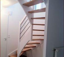 Escalier en hètre après peinture et vitrification