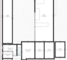 l etage de la maison dans le grenier du salon sous pente on peut s y tenir debout mais dans les deux pieces qui suivent a droites non