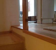 Baguette de finition du garde corps de l'escalier vers le sous sol