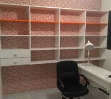 creation d un mur bibliotheque sur mesure merci papa bureau ikea il manque encore la chaise de bureau