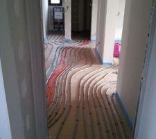 arrivee et depart collecteur les portes ne sont pas installees car nous mettons des portes fin de chantier