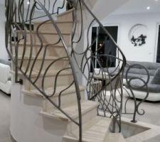 rambardes escalier realisee par le rampiste ms poirier en metal blanchit et traite a la cire