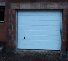 porte de garage posee