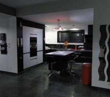 Photo de cuisine prise de nuit