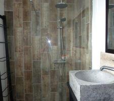 Notre salle d'eau avec receveur extra plat