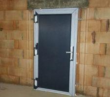 Porte d'accés garage / jardin
