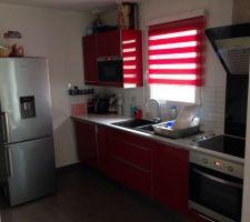 la cuisine est fini il reste a ontez le garage pour metre le frigo a la place de la machine a laver dans le coin