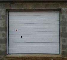 porte de garage sectionnelle motorisee