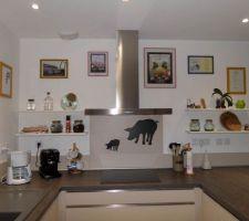 decoration et pose des etageres de la cuisine