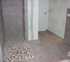 Nouveau chantier en cours : la salle de bain de l'étage.
