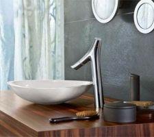Futur vasque et mitigeur de la salle de bain de l'étage : mitigeur Axor Starck Organic 435 et vasque Axor Massaud 60 cm.