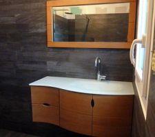 Meuble lavabo salle de bains d'amis