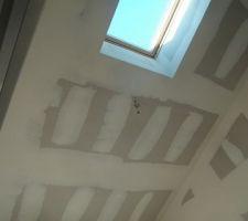 plafond de l atelier avec le velux