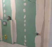 salle de bains 1wc suspendus en cours de construction