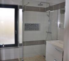 Aménagement de la salle de bain - suite parentale -