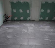 Carrelage salle de bain étage terminé.