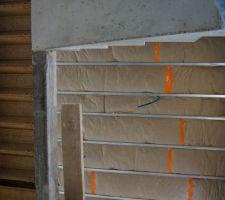 vue de la cage d escalier qui nous donne un apercu de l isolation des combles
