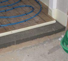 Le chauffage au sol est posé - marche cellier/garage