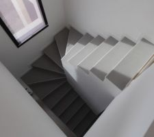 escalier avec les plinthes