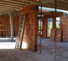 élévation des mur et préparation avant coulage dalle étage