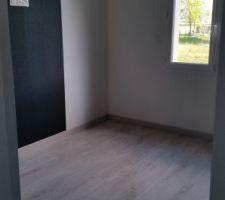 Chambre 1, notre chambre. Noir pailleté et blanc pailleté.
