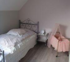 Vieux lit familial refait à neuf - chambre fille