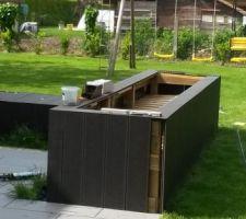 Réalisation jardinière en lames composites