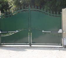pose de la motorisation du portail terminee