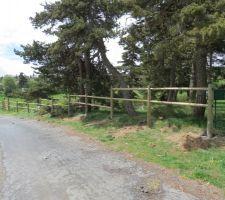 Et la clôture progresse...