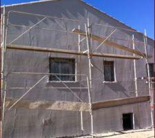 la facade a debute hier beau travail