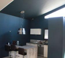 Mise en application de la peinture de la cuisine