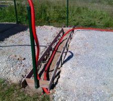 Terrassement et coffrage pour recevoir le seuil du portail