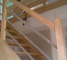escalier bois exotique clair hevea en lamelle colle