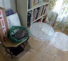 Tables basses, lampes, draps, tissu etc...