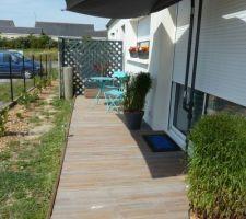 installation de ma petite terrasse devant la baie