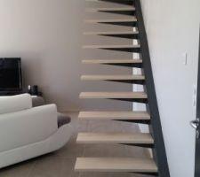 escalier limon deporte fait par mon homme structure metallique et marches bois