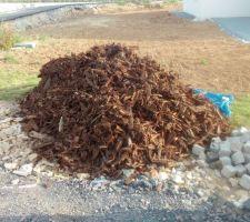 Tas d'écorces de chêne livré ce matin, 2,5m²