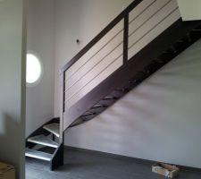 Escalier quart tournant avec garde-corps bois et inox