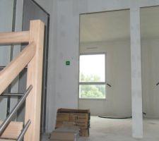 palier de l etage vu de l escalier