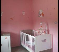 chambre bebe9 jules avec theme iris et babette