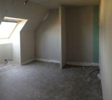 petite chambre a l etage cote est