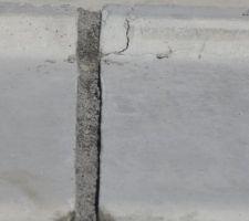 premier hic rebord de fenetre de la baie vitree casse vu avec le conducteur de travaux la piece sera changee en septembre