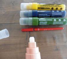 coloration des rainures des portes interieurs avec les crayons liquitex pro paint marker 8 15 mm